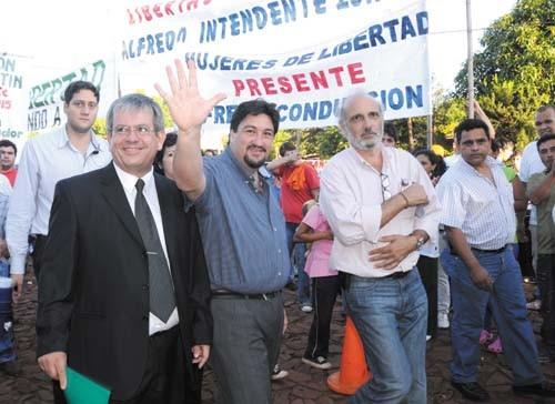 En el oriente. Closs inauguró un nuevo edificio escolar en Bernardo de Irigoyen.