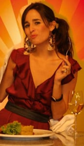 Belen Hernandez (comiendo)