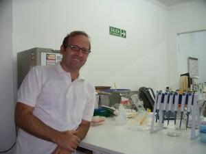Julián Ferreras, genetista del CIGAy promotor de los Café Científico