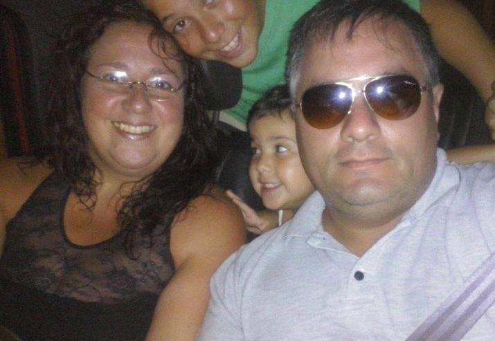 La familia en un viaje en febrero del año pasado al mismo destino.