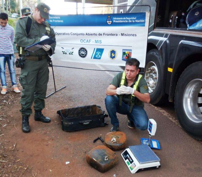 Gendarmería secuestró más de 16 kilos de marihuana en el peaje de Colonia Victoria sobre la ruta 12