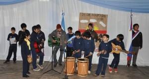 Los chicos del Hogar de Día festejaron el cumpleaños de la Patria en el Ministerio de Salud Pública