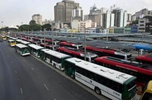 A 15 días del Mundial, las huelgas presionan al gobierno de Rousseff