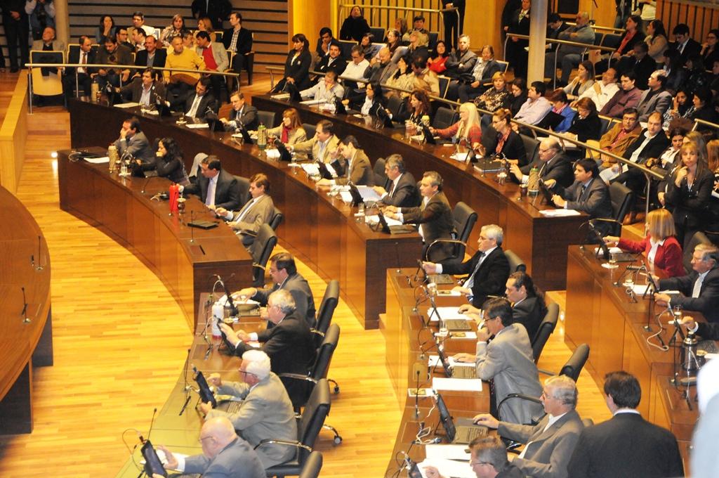 Crean el Consejo Provincial de Turismo y aprueban adhesión a la Ley Nacional de Turismo