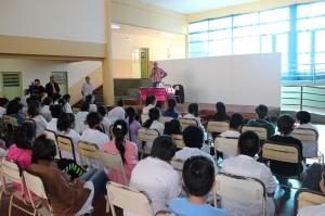 Escritores que participan en el Foro de Literatura visitaron escuelas de Posadas