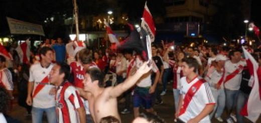 Los hinchas de River invadieron Posadas para festejar el campeonato