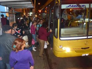 Hubo principio de acuerdo y se normalizó el transporte urbano
