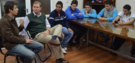 Estudiantes secundarios de Oberá organizan peña folklórica