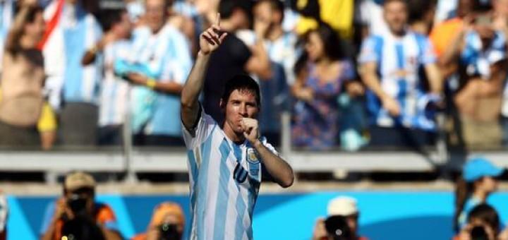 Un golazo de Messi salvó a Argentina del papelón