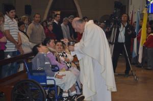 Monseñor Bitar pidió por la paz y la unión de la familia en la misa por el patrono de Oberá
