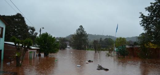 Ya hay cerca de dos mil evacuados por las crecientes del río Uruguay y varios arroyos