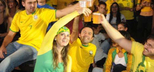 Brasil sufrió pero venció a Croacia 3 - 1 en el debut