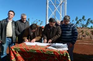Municipalidad y organismos provinciales firmaron acuerdo por extensión de red de agua en el Porvenir II