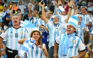 Los hinchas argentinos realizan un promedio diario de 20 denuncias por robo en Brasil