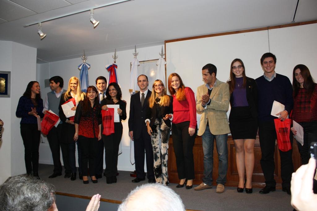 Emotivo acto y reconocimiento por el día del graduado en Ciencias Económicas