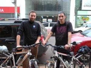 Travesía Visual: La pasión por viajar los lleva a unir los parques nacionales en bicicleta