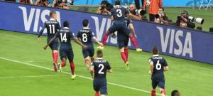 Francia goleó a Honduras 3 a 0  con un Benzema iluminado