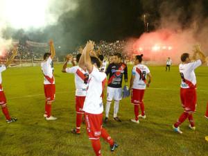 Guaraní jugó su mejor partido y le ganó 2 a 1 a Colón de Santa Fe