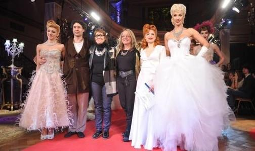 Ingrid Grudke desfiló por la inclusión con Iñaki Urlezaga