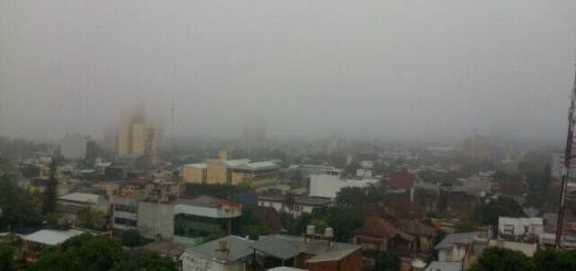 Así se ve Posadas: cubierta por la niebla