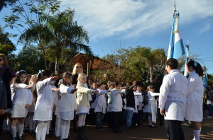 Oberá: Los 4º grado prometieron Lealtad a la Bandera Argentina