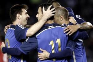 Amar azul: la selección vestirá la camiseta alternativa en la final contra Alemania