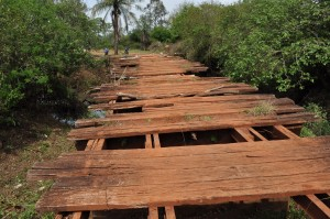 La creciente rompió 1.100 kilómetros de caminos vecinales y 142 metros de puentes de madera