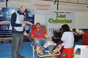 Exitosa campaña de donación de sangre en nombre de Denis Gómez