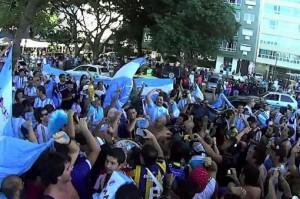 Los hinchas argentinos coparon Río de Janeiro a la espera de la final