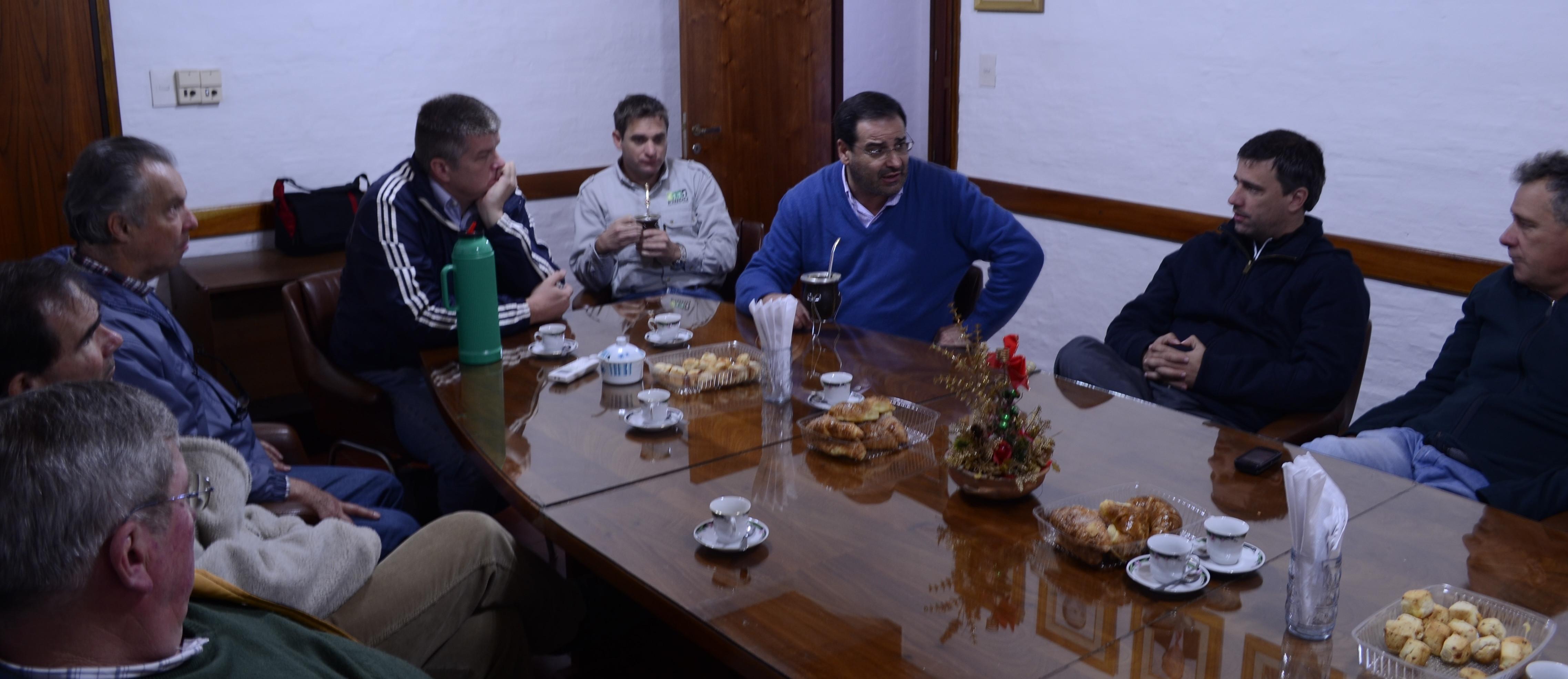 Madereros y citricultores plantearon sus inquietudes al ministro Garay