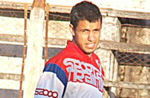 El médico de Crucero operó hoy con éxito a Enzo Bruno, el habilidoso de Guaraní