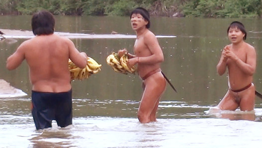Logran filmar primer contacto de una tribu amazónica