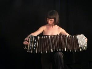 """""""La música de nuestros barrios es la raíz cultural"""" afirmó la bandoneonista Carla Algeri"""