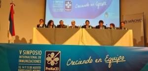 Manzur y Closs inauguraron el Simposio Internacional de Inmunizaciones en Iguazú