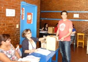González destacó la participación de la gente en las internas de la UCR