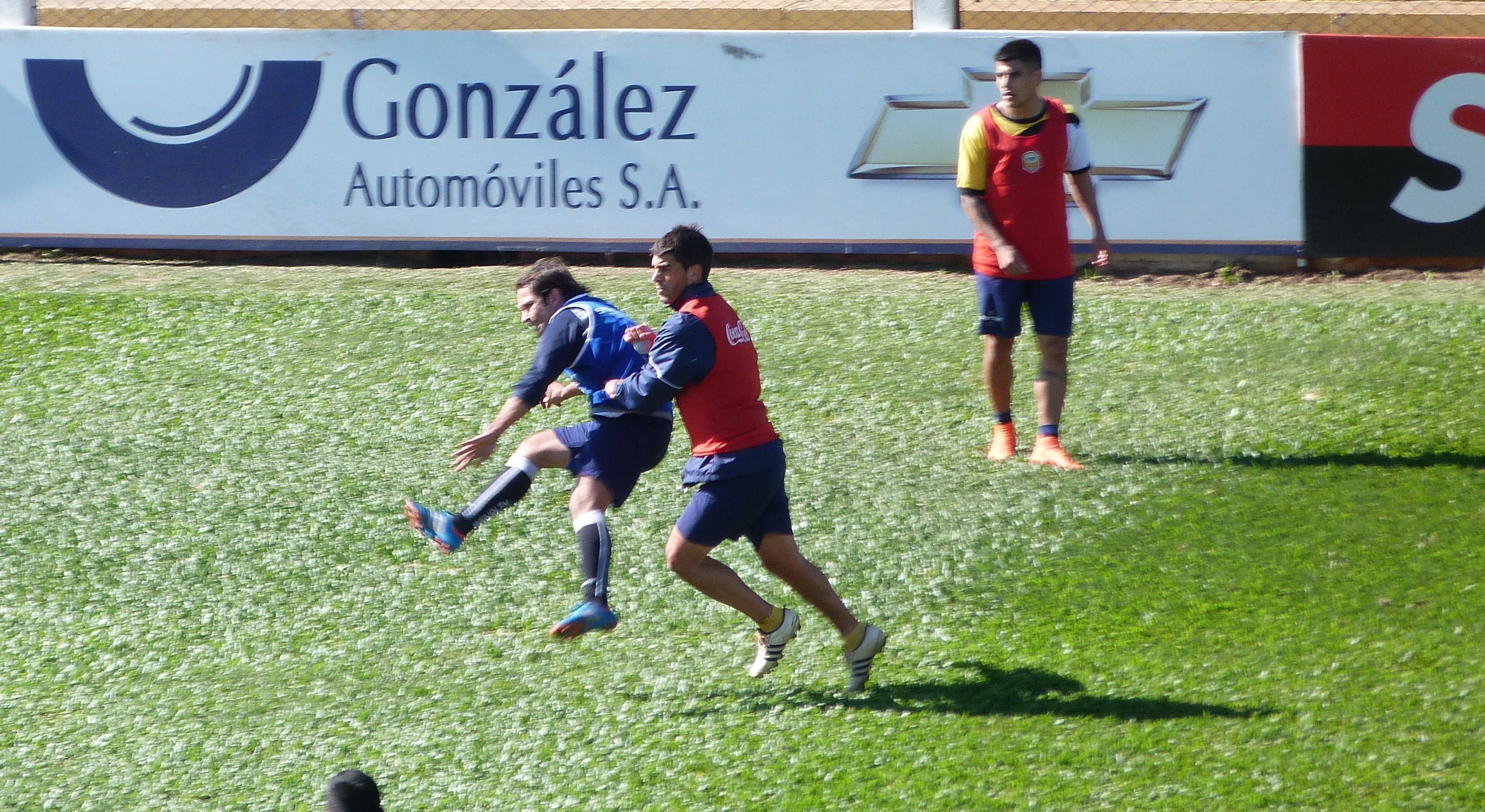 Crucero: Fútbol reducido y trabajos físicos para preparar el duelo con All Boys