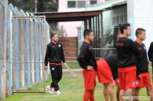 Riquelme se lesionó y tiene para dos semanas: ¿llega al partido frente a Guaraní en 16 días?