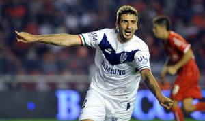 Vélez ganó, gustó y goleó 4 a 0 de visitante a un deslucido Independiente