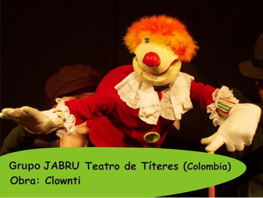 Hoy Clownti en el Cidade, un niño que vive en su maleta de los sueños