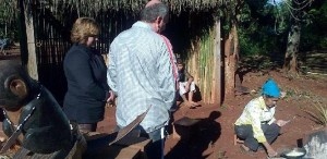 """La aldea mbya guaraní """"Jasy Porá"""" de Puerto Iguazú recibe turistas de todo el mundo"""