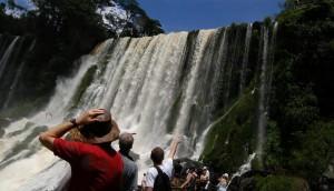 Millones de pesos y miles de turistas en el fin de semana largo