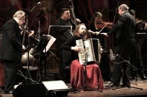 El Chango Spasiuk compartió parte de su disco grabado en el Teatro Colón