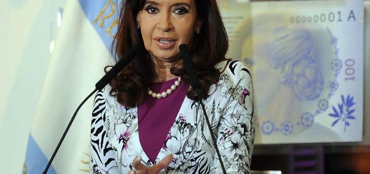 Cristina anunció el relanzamiento de los CEDIN para reactivar el sector inmobiliario y un plan para modernizar el transporte de pasajeros