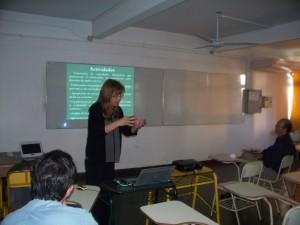 Docentes de Exactas presentaron investigaciones para mejorar la enseñanza de las matemáticas en el nivel medio