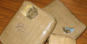 Abandonan marihuana cerca de una escuela del kilómetro 3 de Eldorado