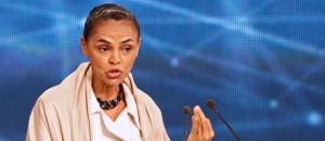"""Rousseff acusó de """"oscurantista"""" a Silva por su propuesta de reducir la producción de petróleo en Brasil"""