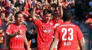 Independiente venció a Racing y mantiene la paternidad en el clásico de Avellaneda