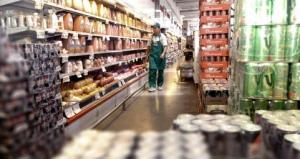 Las ventas en los supermercados aumentaron 37,9% y en los shoppings 26,3%