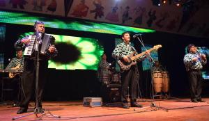 Los Palmeras brillaron en la Fiesta Nacional del Inmigrante