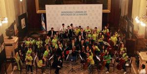 Los Grillos Sinfónicos darán un concierto tributo a Cerati con la dirección del maestro Alex Herrera